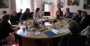 Zu den ausführliche Beratungen im Hospiz-Verein kamen CDU-Politiker und Ehrenamtliche zusammen