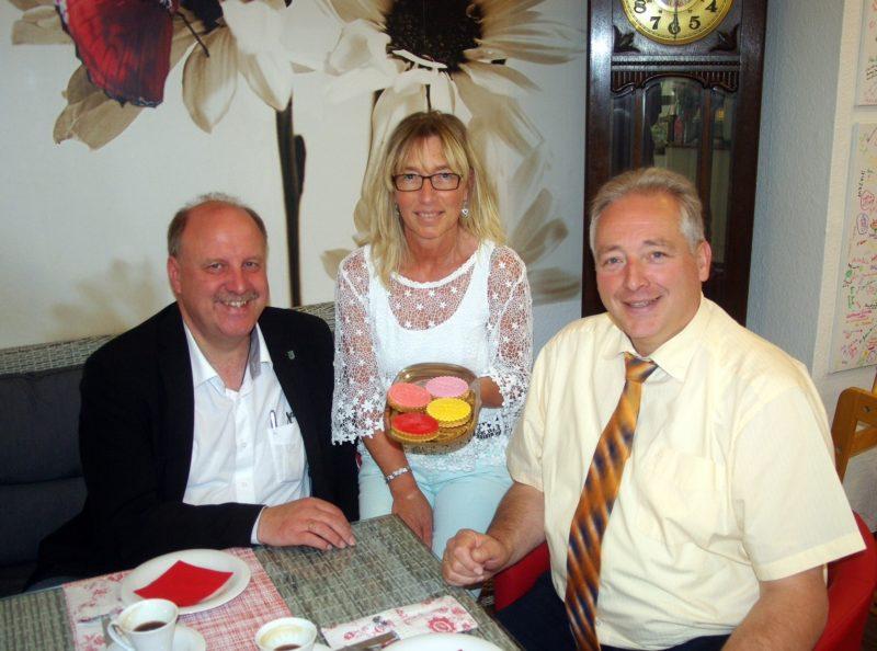 Im Bild v. l. n. r.: Andreas Memmert, Anja Schaaf und Frank Oesterhelweg.