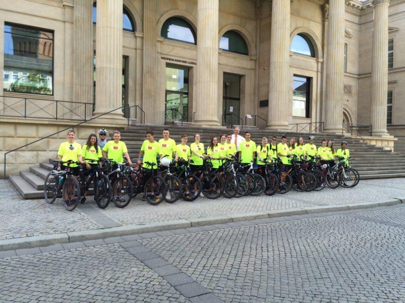 Let`s Ride For Hope vor dem Nds Landtag