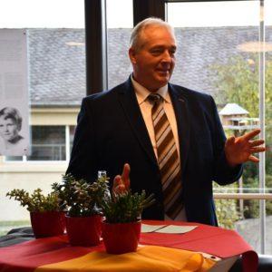 Frank Oesterhelweg, CDU-Landtagsvizepräsident, bei der Begrüßung.