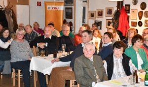 Alle Zuhörer verfolgten aufmerksam die EulenSPIEGELEIen.