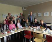 Unser Bild (privat) zeigt Teilnehmer der Gesprächsrunde im Solferino: Hinten links Frank Lillie, hinten rechts Frank Oesterhelweg.